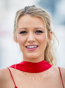 Blake lively brown hair green lantern