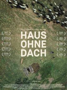 Haus ohne dach film 2016 for Modernes haus ohne dach