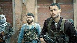 """""""Nur ein Augenblick""""-Trailer: Im Kino-Kriegsfilm soll der Bruder aus einem Folterknast befreit werden"""