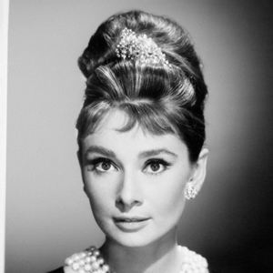 bilder zu audrey hepburn. Black Bedroom Furniture Sets. Home Design Ideas