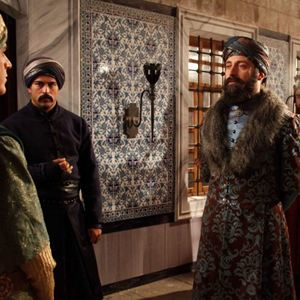 Bild Burak Özçivit, Halit Ergenç, Mehmet Günsür
