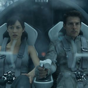 Oblivion : Bild Olga Kurylenko, Tom Cruise