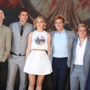 Die Tribute von Panem 3 - Mockingjay Teil 1 : Vignette (magazine) Jennifer Lawrence, Josh Hutcherson, Liam Hemsworth, Sam Claflin