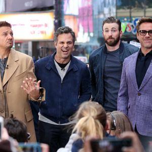 Avengers 2: Age Of Ultron : Vignette (magazine) Chris Evans, Jeremy Renner, Mark Ruffalo, Robert Downey Jr.