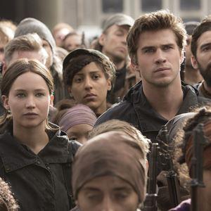 Die Tribute von Panem 4 - Mockingjay Teil 2 : Bild Jennifer Lawrence, Liam Hemsworth