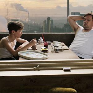 Junges Licht : Bild Charly Hübner, Oscar Brose