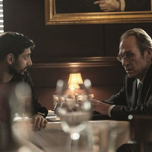 Jason Bourne : Bild Riz Ahmed, Tommy Lee Jones
