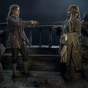 Pirates Of The Caribbean 5: Salazars Rache : Bild Brenton Thwaites, Johnny Depp