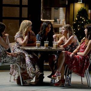 Bild Ashley Benson, Lucy Hale, Sasha Pieterse, Shay Mitchell, Troian Bellisario