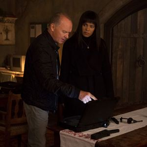 American Assassin : Bild Michael Keaton, Sanaa Lathan