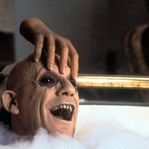 Die Addams Family in verrückter Tradition : Bild Christopher Lloyd