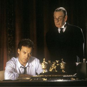Batman : Bild Michael Gough, Michael Keaton