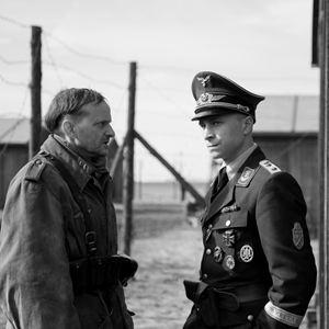 Der Hauptmann : Bild Max Hubacher, Milan Peschel