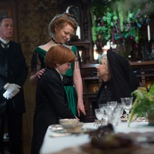 Winchester - Das Haus der Verdammten : Bild Finn Scicluna-O'Prey, Helen Mirren, Sarah Snook