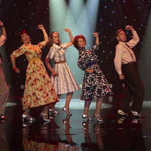 Tanz ins Leben : Bild Celia Imrie, David Hayman, Imelda Staunton, Joanna Lumley, Timothy Spall