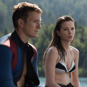 Renegades - Mission of Honor : Bild Charlie Bewley, Sylvia Hoeks