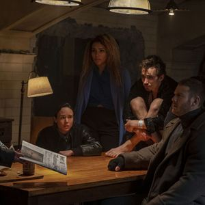 Bild Aidan Gallagher, David Castaneda, Ellen Page, Emmy Raver-Lampman, Robert Sheehan