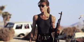 "Linda Hamilton: ""Terminator 2""-Star ist ""Chucks"" Mutter"