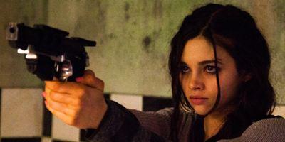 """India Eisley als bildhübsches Monster im deutschen Trailer zu """"Kite - Engel der Rache"""""""