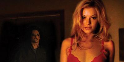"Zuerst nackte Haut, dann blanker Horror im ersten Trailer zu ""Girlhouse"""