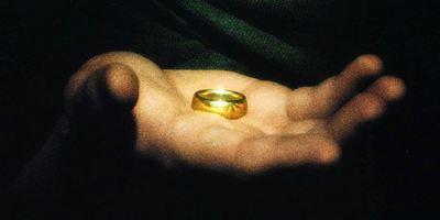 """Der Eine Ring aus """"Der Herr der Ringe"""" bringt Schüler Suspendierung ein"""