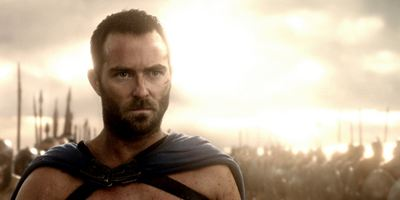 "Produzent Luc Besson verpflichtet ""300: Rise Of An Empire""-Star Sullivan Stapleton für Action-Thriller ""The Lake"""