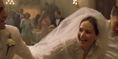 """""""Joy - Alles außer gewöhnlich"""": Jennifer Lawrence auf erstem Poster zu David O. Russells Biopic"""