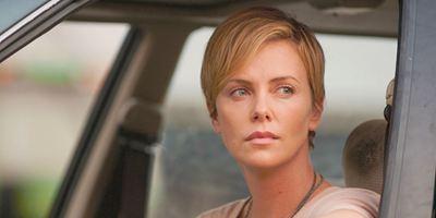 """""""Dark Places"""" mit Charlize Theron: Deutsche Posterpremiere zur Adaption des Thrillers von """"Gone Girl""""-Autorin Gillian Flynn"""