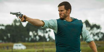 """Wild-West-Duelle mit Mickey Rourke in der Moderne: Exklusive Trailerpremiere zu """"The Gunfighters - Blunt Force Trauma"""""""