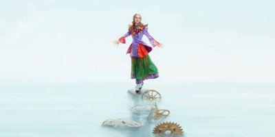 """Wieder im Wunderland: Erster Teaser zu """"Alice Through the Looking Glass"""" mit Mia Wasikowska"""