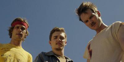"""Huck Finn, Tom Sawyer und jede Menge Chaos: Neuer Trailer zur Krimi-Komödie """"Band Of Robbers"""""""