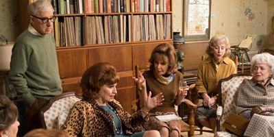 """Die wilden Sechziger: Erster Trailer zu Woody Allens Serie """"Crisis In Six Scenes"""" mit Miley Cyrus"""