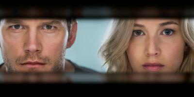 """Alleine im All: Jennifer Lawrence und Chris Pratt auf dem exklusiven Poster zu """"Passengers"""""""