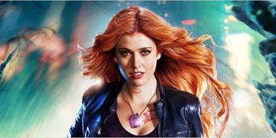 """""""Shadowhunters"""": Dämonenjäger, Vampire und Runen im ersten Trailer zur 2. Staffel der """"Chroniken der Unterwelt""""-Serie"""