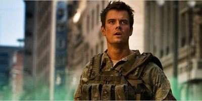 """Transformers 5: The Last Knight"": Josh Duhamel kampfbereit in neuem Setvideo"