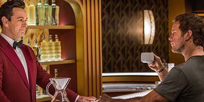 """Michael Sheen als Android am Set von """"Passengers"""": """"Ich wollte natürlich keine typischen 'Mr. Roboto'-Bewegungen hinlegen"""""""