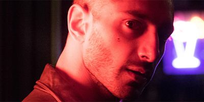 """City Of Tiny Lights"": Erster Trailer zum Noir-Thriller des ""Dredd""-Regisseurs mit ""Rogue One""-Pilot Riz Ahmed"
