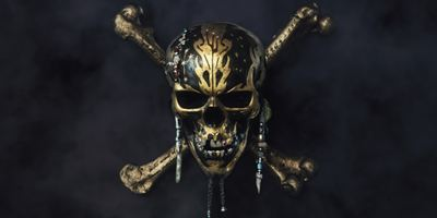 """Pirates Of The Caribbean 5: Salazars Rache"": Johnny Depp mit Denkerpose auf neuem Poster"