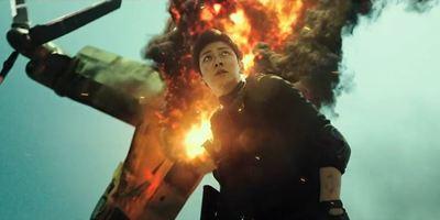 """Action für Nerds: Im abgedrehten Trailer zu """"Fabricated City"""" wird ein Gamer des Mordes bezichtigt"""