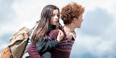 """""""Amelie rennt"""": Erster Trailer zur Young-Adult-Tragikomödie über den mutigen Weg eines jungen Mädchens"""