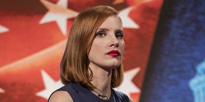 """Wortgewaltig gegen die Waffenlobby: Deutscher Trailer zu """"Die Erfindung der Wahrheit"""" mit Jessica Chastain"""