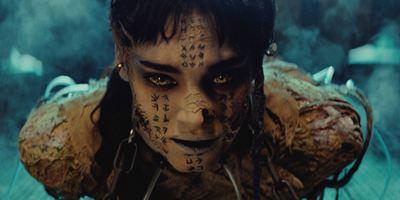 """""""Die Mumie"""": Das bedeutet die tätowierte Schrift auf Sofia Boutellas untotem Körper"""