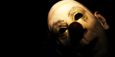 """Ein Mix aus """"Es"""" und """"Blair Witch Project"""": Der Trailer zu """"Behind The Sightings"""" geht Grusel-Clowns auf die Spur"""