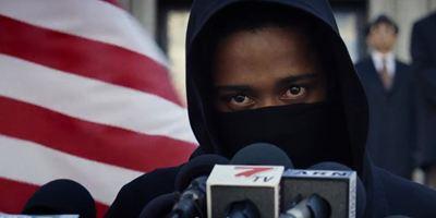 """Notizen des Todes: Im neuen Trailer zu """"Death Note"""" werden Menschen durch Bucheinträge ermordet"""