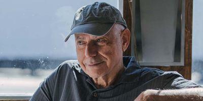 """Dumbo"": Oscarpreisträger Alan Arkin stößt zum Cast von Tim Burtons Neuverfilmung"