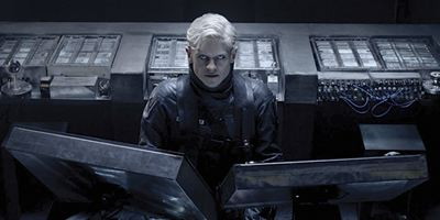 """""""SUM1"""": Im deutschen Trailer zum Sci-Fi-Thriller dreht """"Game Of Thrones""""-Star Iwan Rheon durch"""