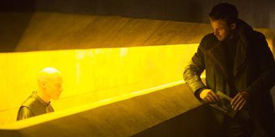 """Die tripuraneniventures.com-Meinung: Warum Kameragenie Roger Deakins für """"Blade Runner 2049"""" endlich einen Oscar bekommen muss"""