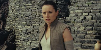 """Lustiges Interview zu """"Star Wars 8"""": Daisy Ridley """"spoilert"""" den ganzen Film"""