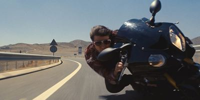 """Auf actionreicher Mission: Henry Cavill teilt neues Bild vom """"Mission: Impossible 6""""-Set"""