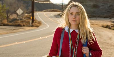 "Fast wie Tarantino: Im Trailer zu ""Please Stand By"" bringt Dakota Fanning ihr ""Star-Trek""-Skript nach Hollywood"